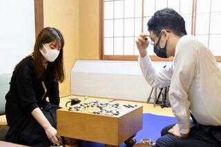 囲碁、藤沢が十段戦本戦に初進出