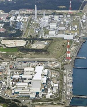 新潟県の東京電力柏崎刈羽原発=4月