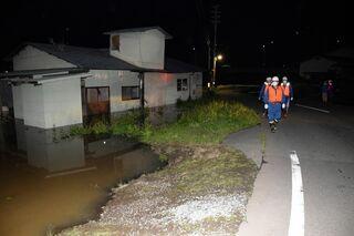 八戸、三戸に避難指示 大雨で河川増水