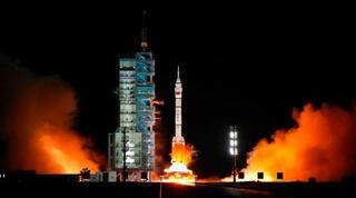 中国、有人宇宙船を発射