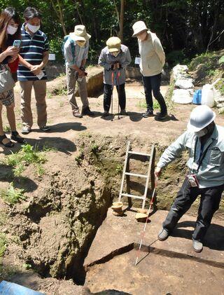 三内丸山遺跡で発掘現場の公開始まる