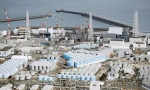 東京電力福島第1原発敷地内に立ち並ぶトリチウム水などが入ったタンク=2月