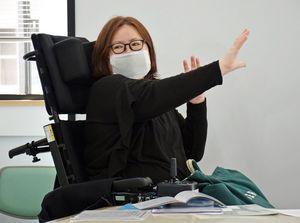 CFS支援ネットワークの石川会長は、コロナ下での受診の難しさを訴える=5月、青森市で行われたCFS療養手引発刊の記者会見で