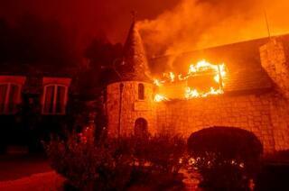 米加州で新たな山火事が発生