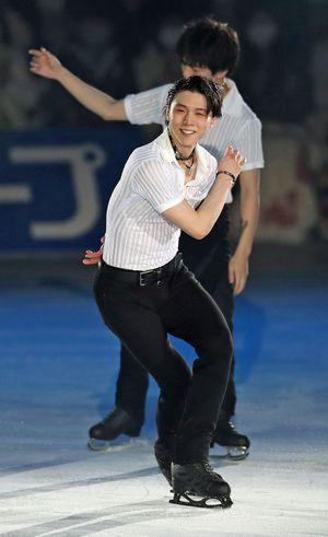 アイスショーで華麗なステップを披露する羽生結弦選手=八戸市のフラットアリーナ(C)Kiyoshi Sakamoto