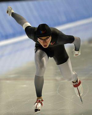 【男子1500メートル】1分51秒71の県選抜新で優勝した毛利信太郎(八戸西高出、高崎健大)=YSアリーナ八戸