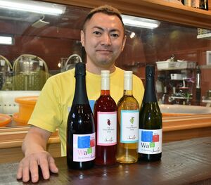 第3弾の八戸ワインをPRする澤内オーナー