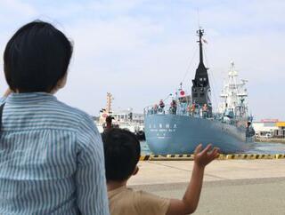 商業捕鯨船が下関を出港