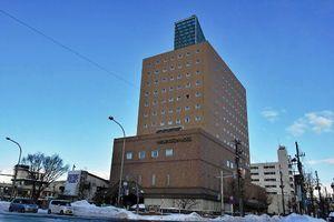 土地、建物を売却する方向となった青森ワシントンホテル=青森市本町2丁目