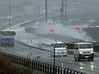 県内暴風雪 けが人や建物被害 交通乱れも