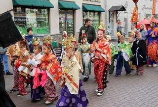 モスクワで「時代祭り」