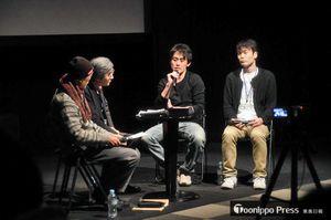 トークショーで作品に込めた思いなどを語る木村監督(右から2人目)