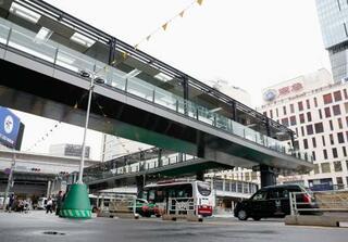 渋谷駅西口と駅前ビルが直結