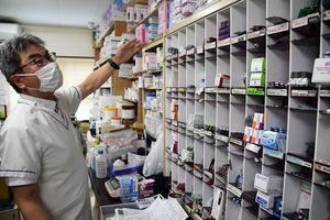 「1、2カ月前からジェネリックが入りにくくなった」と話す安田調剤薬局の高橋さん