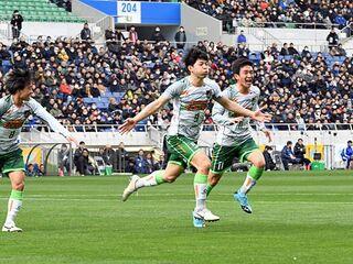 青森山田、帝京長岡破り決勝へ/高校サッカー