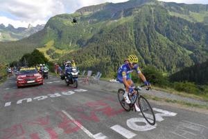 ツール・ド・フランス、第10ステージを制したジュリアン・アラフィリップ=17日、ルグランボルナン(ゲッティ=共同)