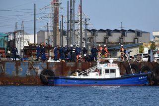 酸素濃度 通常より低く/八戸港2人死亡の船底