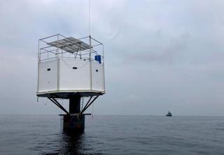 米国人らタイ沖に浮遊住居を設置
