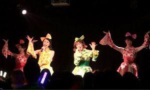 東京で3度目のライブを成功させたりんご娘=6日、東京都渋谷区のライブハウス「代官山LOOP」