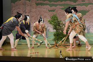2017年の春祭りでは「太閤記九段目」に地区外から募った役者が出演、舞台に花を添えた