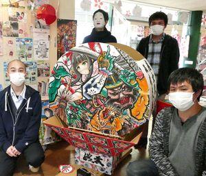 市まちなか情報センターのふらいんぐうぃっちコーナーに集まった魔女協会弘前支部のメンバー