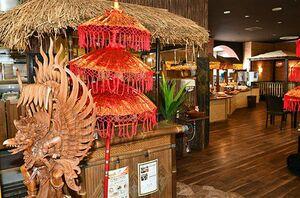 アジアンテイストの内装が特徴的な新規出店の「ワルン マタハリ」