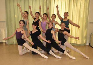 三沢SWANの9人「笑えるバレエ」に挑戦 25日・八戸で特別公演
