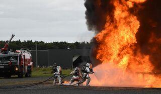 航空機火災の対応確認 空自三沢が訓練