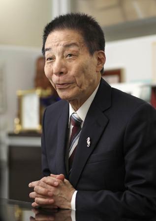 古賀氏、総裁選で岸田氏の応援も