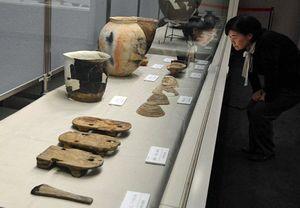 立佞武多の館で始まった企画展「発掘された五所川原の遺跡」