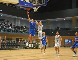 むつマエダアリーナで下北中学バスケ大会