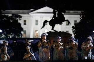 米抗議デモに州兵動員で厳戒態勢