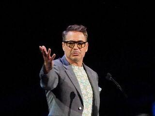 ロバート・ダウニー・Jr.、ディズニー・レジェンド授賞式で爆笑スピーチ