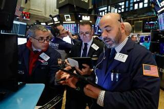 NY株小反落、1ドル安