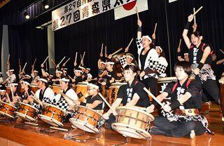 6団体ばちさばき力強く 青森県太鼓フェス