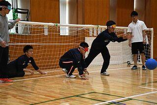 弘前でゴールボール練習公開/パラ男子代表