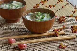 【9品目】いわしと枝豆の「だまこ汁」 魚のすり身 アツアツで