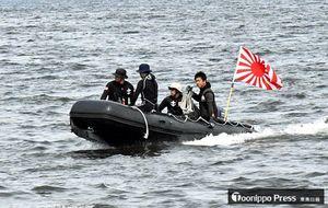 初めての淡水潜水訓練を行った隊員たち