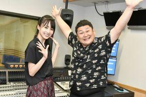 28日生放送の文化放送特番でパーソナリティーを務める(左から)乃木坂46賀喜遥香、オテンキのり