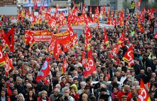 仏で年金改革反対ストライキ