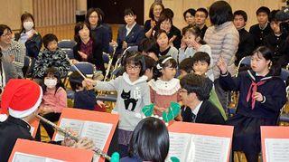 音楽で仲間と絆、八戸盲学校で演奏交流会