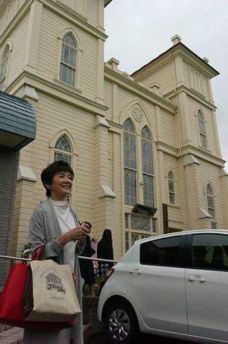 女優・榊原るみさん、ルーツの弘前訪問