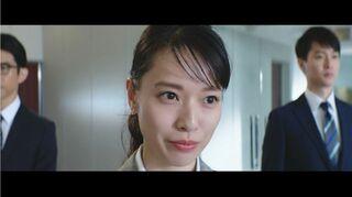 戸田恵梨香、美しいキャリアウーマンに変身 堂々のプレゼンで重役らを圧倒