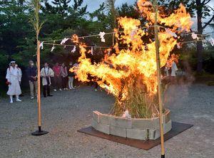おたき上げなど神事のみが行われた「奥津軽虫と火まつり」