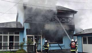三沢で住宅火災、1人死亡