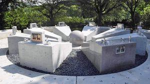 弘前市の墓地公園に完成した合葬墓