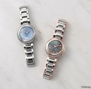 シチズン時計の映画「アナと雪の女王2」の主人公「エルサ」(左)と「アナ」をイメージした女性用腕時計