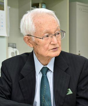 2000年から中国人留学生の支援などに取り組んできた川瀬さん。「若い人の交流」が平和を保つ一助になると説く