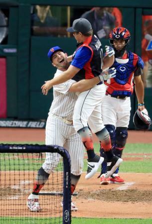 アロンソが本塁打競争でV