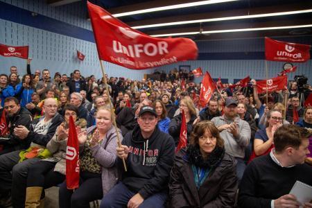 GM、北米5工場の生産停止へ 1万4...